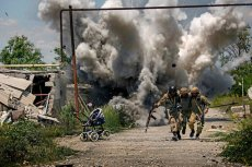 Dmitry Muravsky robiłzdjęcia walczącym w Donbasie Ukraińcom.