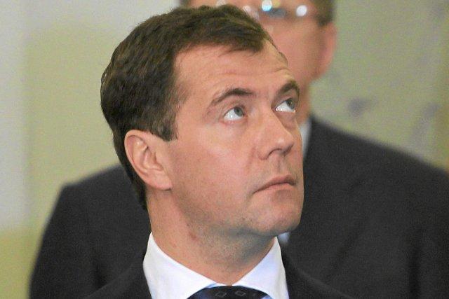 Dmitrij Miedwiediew będzie pełniącym obowiązki prezydenta, jeśli Władimir Putin odda władzę