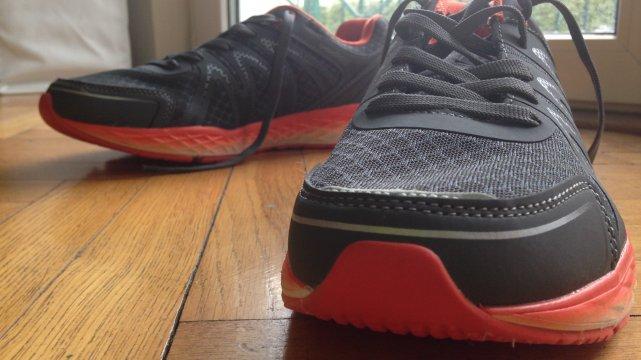 359247737b48 Buty do biegania z Biedronki czy z Lidla  Test najtańszych butów do ...