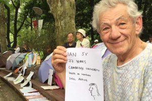 Sir Ian McKellen szuka nowego partnera.