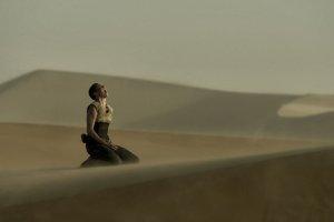 Charlize Theron jako Furiosa.
