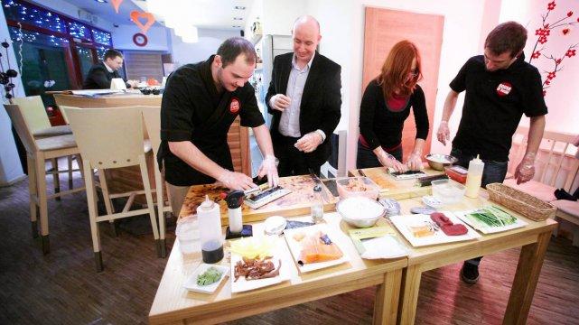 Luty 2012, Łódź. Walentynkowe warsztaty kulinarne w restauracji House of Sushi