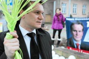 Dominik Tarczyński, poseł PiS, w 2010 roku startował w wyborach do sejmiku województwa świętokrzyskiego.