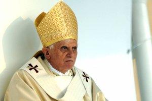 """""""Można odnieść wrażenie, że Benedykt XVI wbrew swej woli wpływa na Franciszka"""""""