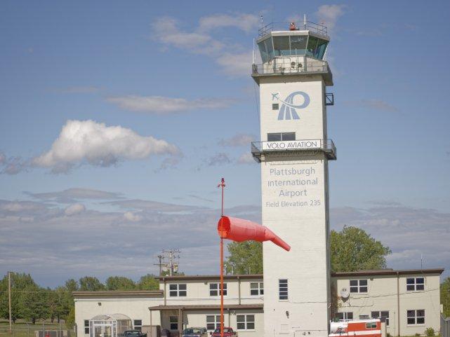 KPBG - Plattsburgh Intnl. airport - nieczynna wieża kontrolna