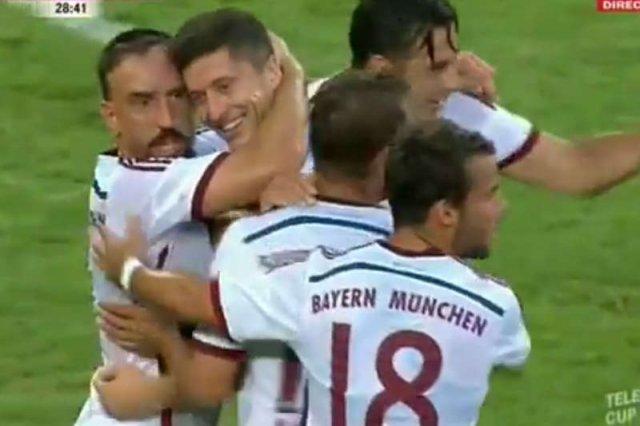 Robert Lewandowski w meczu z Borussią Monchengladbach strzelił genialną bramkę, która zachwyciła niemiecką prasę