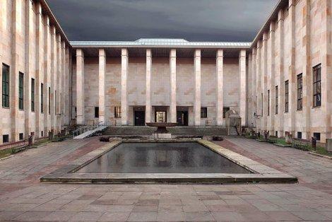 Instytucja publicznego muzeum ma krótszą historię, niż można sobie wyobrazić.