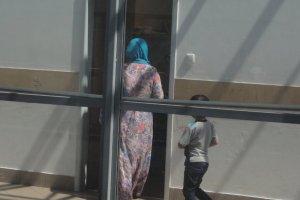 Czeczeńscy muzułmanie na przejściu granicznym w Terespolu, czekają na wjazd do Polski.