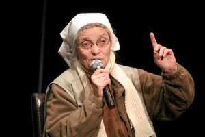Siostra Chmielewska krytykuje politykęprorodzinną