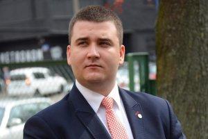 Bartłomiej Misiewicz wrócił na studia, tyle że nie wiadomo na jakie.