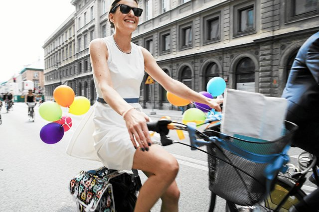 Wkrótce rowerzyści będą mogli jeździć jednokierunkowymi ulicami Warszawy pod prąd.