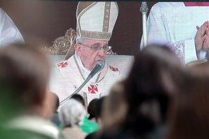 Papież Franciszek może sprawić, że na ŚDM w Krakowie twarze biskupów i polityków będą bardziej purpurowe niż stroje kardynałów...
