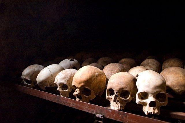 Czaszki ofiar ludobójstwa