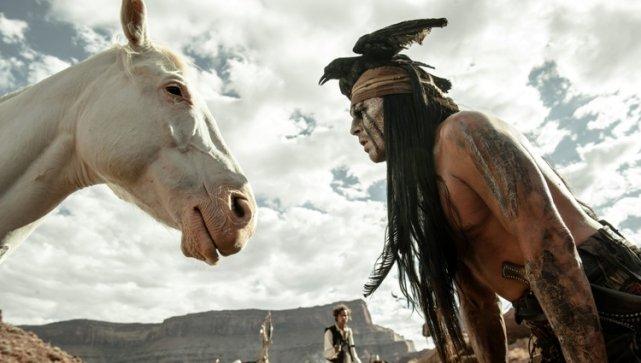 Dwie najśmieszniejsze postacie filmu: Tonto i szurnięty koń.