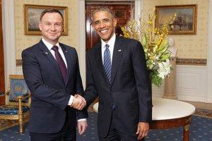 Podczas wizyty w USA prezydent Andrzej Duda był zmuszony robić dobrą minę do złej gry. Tymczasem Biały Dom zdawał się dobrze bawić kosztem polskiej głowy państwa...
