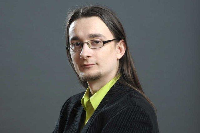 Kamil Cebulski tytułuje się rektorem alternatywnej szkoły przedsiębiorczości