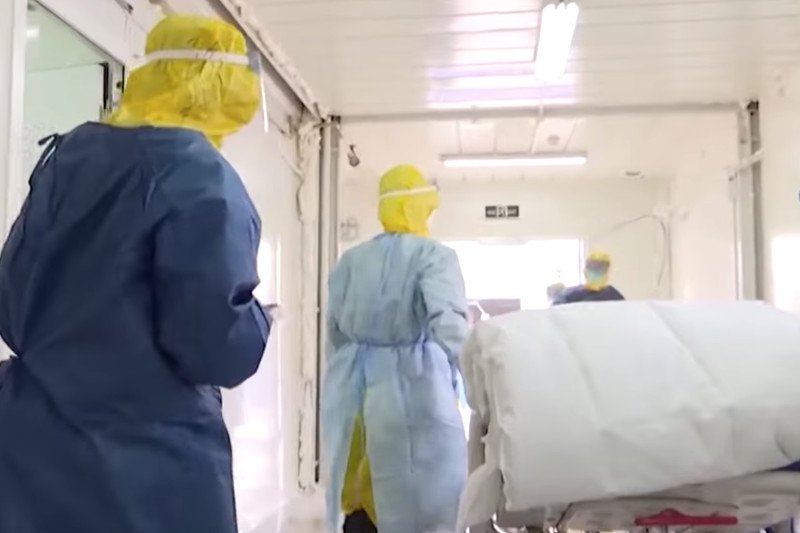 Koronawirus zabił chińskiego reżysera Chang Kai\'a i jego rodzinę | naTemat.pl