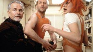 """Milla Jovovich i Bruce Willis w filmie """"Piąty element"""""""