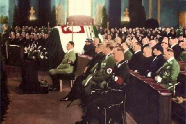 Znalezione obrazy dla zapytania piłsudski hitler