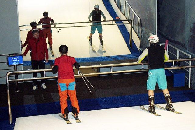 Każdy trening odbywa się pod kontrolą profesjonalnego instruktora.