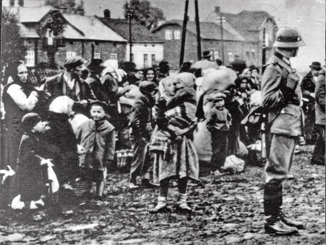 Wysiedlenia na Zamojszczyźnie. Niemcy usiłowali wyrugować wszelką polskość z tego regionu.