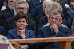 Mąż Beaty Szydło Edward pojawił się u boku szefowej rządu w Częstochowie.
