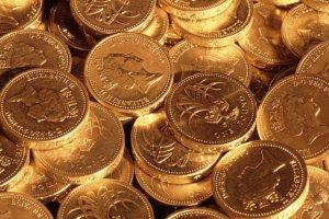 Brytyjczycy masowo wymieniają funty na dolary i euro.