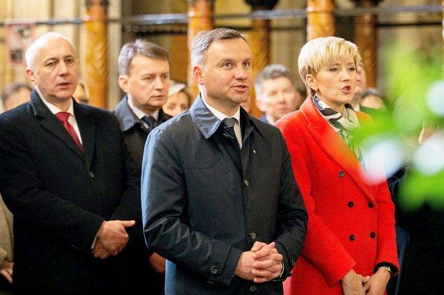Wyborcy Andrzeja Dudy w Kościele nie mają podobnych problemów.