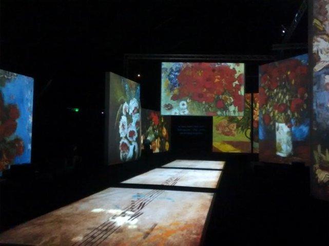 Wystawa to około 3 tysięcy obrazów, zdjęć i listów.