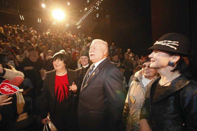 Zaproszenia na wykłady to spore źródło dochodów dla Lecha Wałęsy. Na zdjęciu na Zjeździe Krystyn w Gdyni.