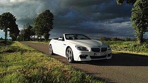 BMW 640i cabrio w matowym kolorze prezentuje się naprawdę elegancko.