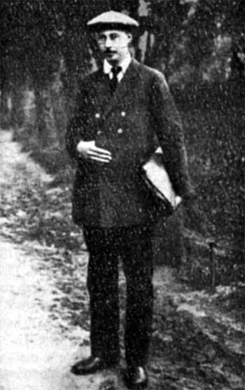 Fizyk Aleksandr A Fridman, znany też jako Alexander Friedmann (1888-1925). Zwróciłsię prywatnie do Einsteina z prośbą o publiczne odwołanie niesłusznej krytyki jego prac.