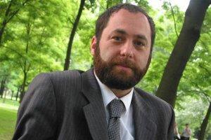 Prof. Jan Hartman narzeka na populizm w dyskusji o wyjazdach Radosława Sikorskiego