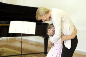 Agata Duda i Julia. Żona prezydenta ociepla wizerunek?