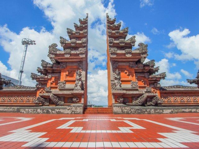 [url=http://shutr.bz/1mhInpq] Brama wejściowa w Denpasarze [/url]