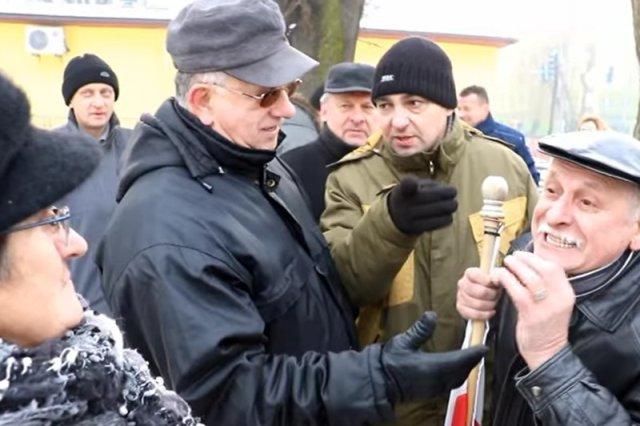 Te manifestacje pierwszy raz pokazały podział w Brzeszczach.