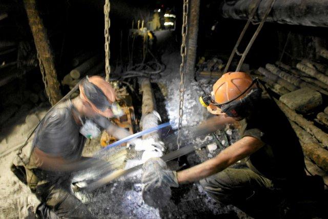 """Górnicy w kopalni Brzeszcze dostaną po 3 tysiące złotych """"stresowego"""""""