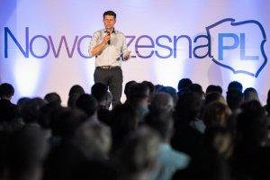 Petru, podczas niedzielnego kongresu NowoczesnejPL w Gdańsku, oficjalnie zaprosił do debaty m.in. Beatę Szydło i Pawła Kukiza.