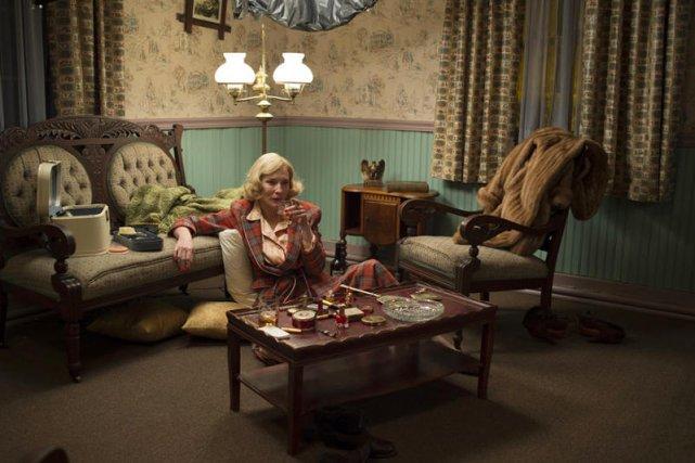 """Każdy element scenografii jest w """"Carol"""" dokładnie dobrany i """"z epoki""""."""