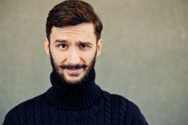 """Pierwszy dżentelmen Rzeczypospolitej. Autor bloga """"Czas Gentlemanów"""" uczy, jak być mężczyzną w 2014 roku"""