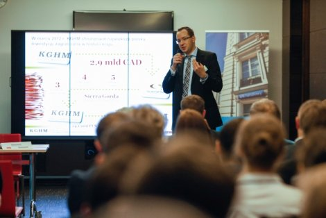 Kupując kanadyjską spółkę wydobywczą za 2,9 mld dolarów, KGHM dokonał największej zagranicznej inwestycji w historii polskiego przemysłu