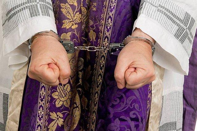 Zdarzają się wyroki skazujące, ale nie tak często, jak w przypadku pedofilów cywilnych.