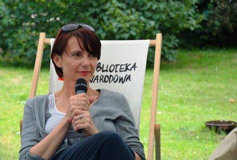 Zanim zaczęła pisać kryminały, Marta Guzowska pracowała jako archeolożka.