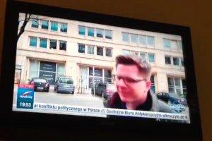 Filip Chajzer obrzucił owsianką samochód TV Republiki. Jest komentarz dziennikarza: Zgłoszę się na policję
