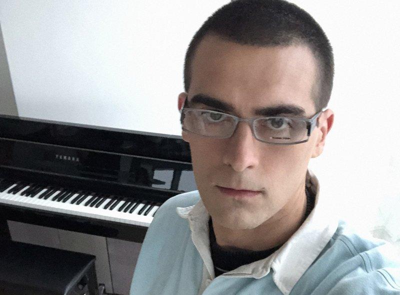 Quebonafide wraca po dwóch latach. Pokazał teledysk do piosenki Jesień | naTemat.pl