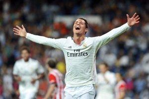 Życie prywatne Cristiano Ronaldo, dla niektórych komentatorów, zdaje się nie mieć żadnych tajemnic.