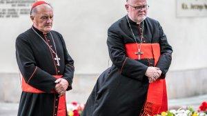 Kardynał Reinhard Marx z kardynałem Kazimierzem Nyczem.