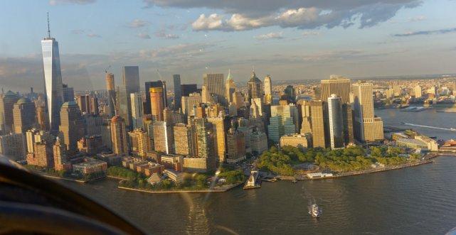 Dolny Manhattan z budynkim One World Observatory o wysokosci ok. 540 m.