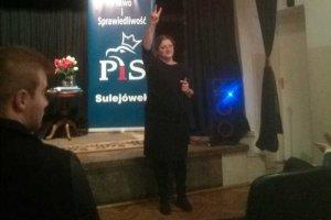 Krystyna Pawłowicz na spotkaniach z wyborcami czuje się jak ryba w wodzie.