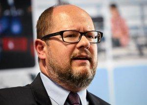 Paweł Adamowicz rezygnuje z asysty wojskowej na powstańczej uroczystości.